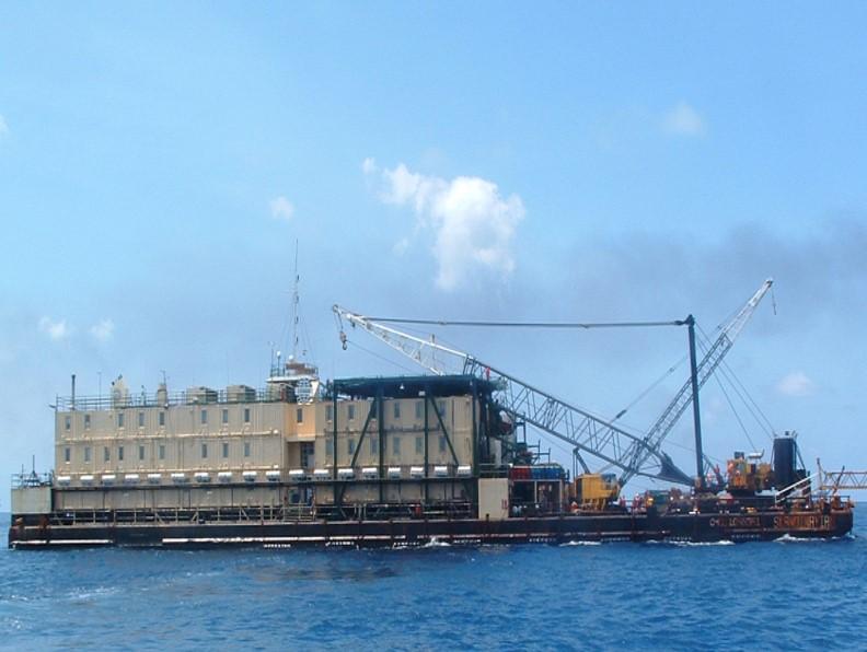 Barco-apoyo-construccion
